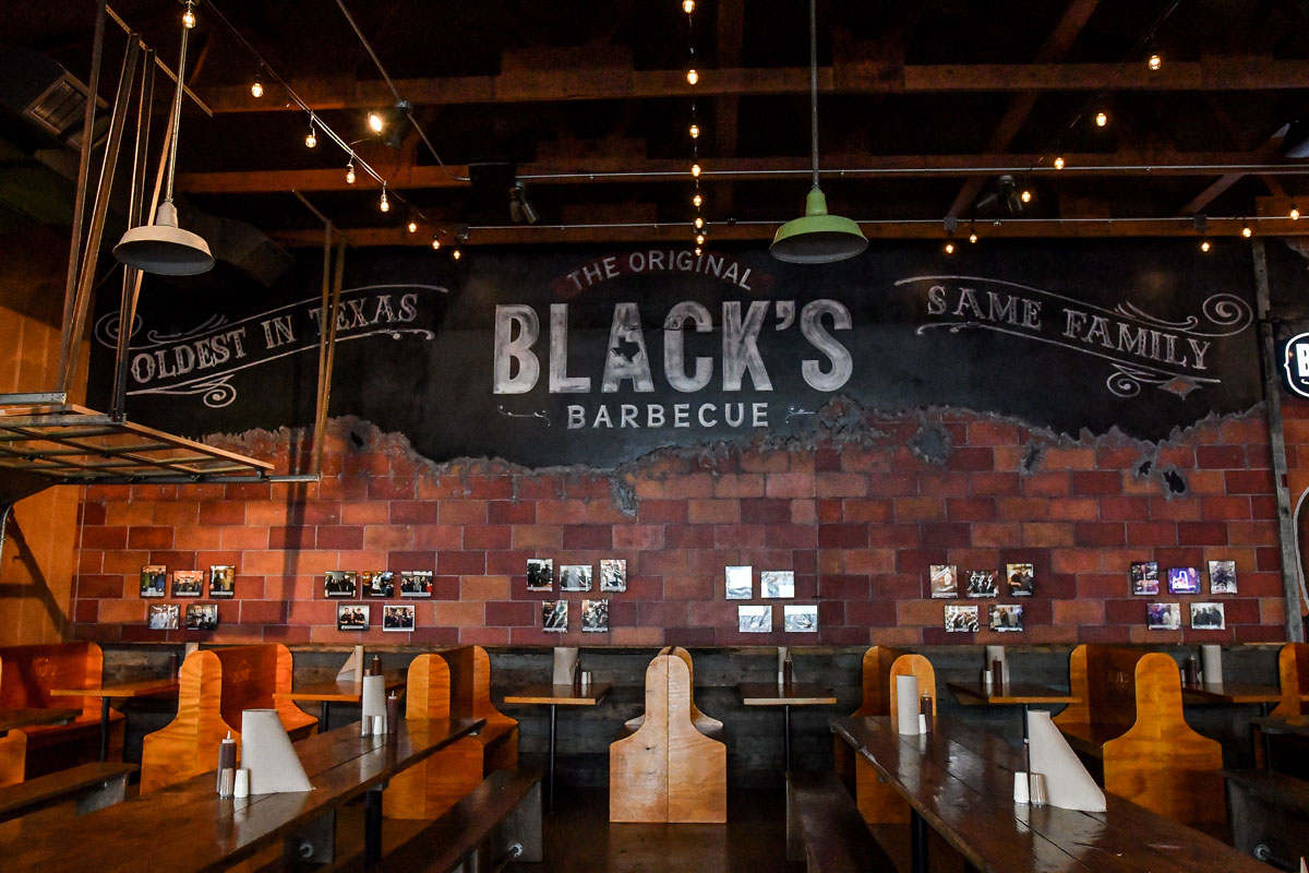 Informational article related to expectations, service times, and amenities when visiting Black's Barbeque in Austin, Tx
